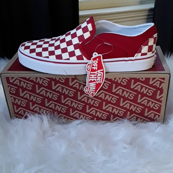 WOMEN'S VANS ASHER RED CHECKERED SLIP ON SNEAKERS NWT